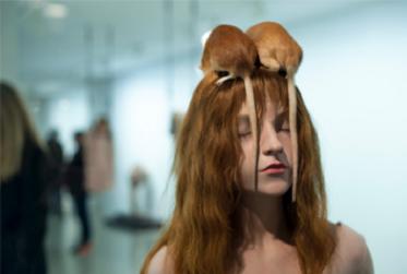 Miranda Nieuwenhuis-Hoekstra geeft lezing over moderne kunst in Bibliotheek
