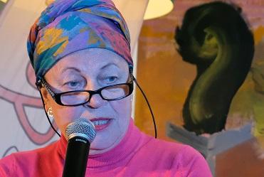 Stadsdichter Marijke Agterbosch bekommert zich om eenzame uitvaarten in Hengelo